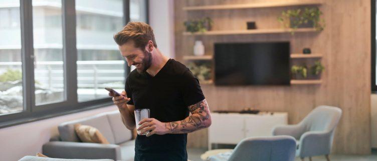 Guy bijgewerkt dating profiel